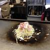 しゃもじ - 料理写真:山盛りキャベツに豚バラ、天かす。 ヘラで凝縮されます!