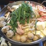 ちゃい九炉 - 味噌ちゃんこ鍋、お代わり自由でしたが、お腹いっぱいでお代わりせず…(^^