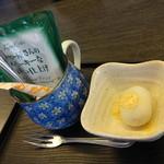 くろしお回転寿司 - 食後のコーヒー&和菓子 ※くろしおランチセットに含まれています