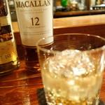 バー 山小屋 - マッカラン12、お手頃価格で味わえる超スモーキーな一杯
