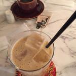 ローカル - ミックスジュースとコーヒー
