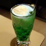 純喫茶 車 - クリームソーダ