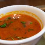 タカリバンチャ - トマトベースのスパイシースープ