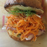 TOLO SAND HAUS - サンドイッチセット:サーモン&ラペ、クラムチャウダー、オリエンタルサラダ ヨーグルトソース3