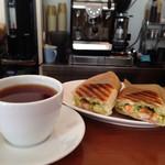 サルク カフェ - バジルシュリンプ♪紅茶と共に