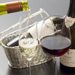 料亭うおとめ - ドリンク写真:ソムリエの女将がお料理に合わせてワインをセレクトします。