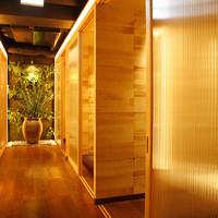 茶室をイメージした癒しのある和の空間。接待等に大人気。