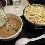 自家製麺つけそば 九六 - つけ麺特盛り(880円)+味玉(80円)となります。