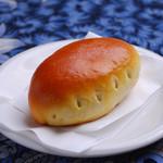 ロシア料理レストラン・バー ニーナ - 自家製ピロシキ (お持ち帰りもできますよ♪)1個300円