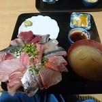 魚平食堂 - 20160204 海鮮丼1600円