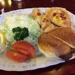 47177022 - 【16年1月】お昼を食べそこねたので、ローストビーフサンドイッチなぞ。。。