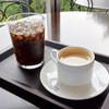 神椿 - ドリンク写真:ホットコーヒーとアイスコーヒー