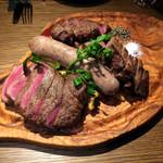 新宿で熟成肉が食べたい。いま話題の味わいを堪能できる10店ご紹介