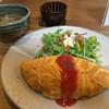 白椿 - 料理写真:★★★ ランチ オムライス 卵がしっかり焼けています
