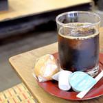 灸まん本舗 石段や - アイスコーヒー・灸まん付き
