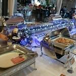 十勝幕別温泉 グランヴィリオホテル - いも餅やシューマイがありました
