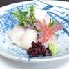 うを徳 - 料理写真:造り盛合せ ヒラメの昆布〆 活きホタテ 甘海老