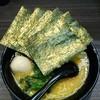 横浜家系ラーメン 戦国家 - 料理写真:ラーメン670円。麺硬め。海苔増し100円。