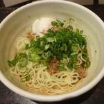 きさく - 汁なし坦々麺:530円+温泉玉子:70円