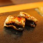 小鯛雀鮨 すし萬 - 煮アナゴ