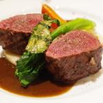 ブラッスリー ギョラン - 北海道産シカロース肉の炭火焼