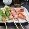 やき鳥 三平 - 料理写真:もも¥390 ささみ梅肉¥480