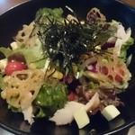 ぼくらの食卓 - 料理写真:ぼくらのサラダ790円