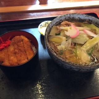 そば処 一庵 - 料理写真:とりそば750円、ソースカツ丼ミニ300円