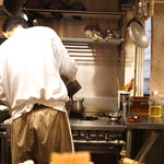 蕎楽亭 - 厨房内