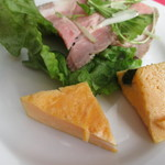 ラ・ベルデ - ローストポークと卵焼き。