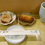 鮨義 - おしのぎ的に提供されるいなり寿司と小鉢