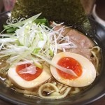 横浜らーめん 壱八家 - 横浜そごう店限定の「夢を抱きしめて」。麺、海苔、チャーシュー、野菜、玉子は横浜産にこだわっているとのこと。