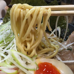 横浜らーめん 壱八家 - 麺リフト