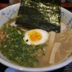 Mendainingutsukinoya - 料理写真:豚骨醤油ラーメン