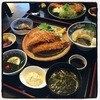 漣 - 料理写真:お造りつき 参宮定食