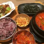 チャンチ - ★★★☆ スンドゥブディナーセット 健康ご飯×海鮮