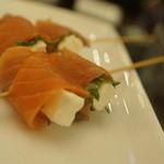 串鳥のワイン酒場 TANTO - スモサチーズ