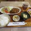 れりっしゅ - 料理写真:ハンバーグ定食(デミソース)820円(税込)。