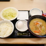 かつや - 朝とん汁定食¥390