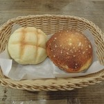 タローパン - メロンパンとクリームパン