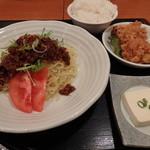 台北榕園 - ジャージャー麺+唐揚げ