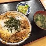食創庵 - かつ丼(810円)