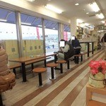小田原パーキングエリア(下り線)スナックコーナー - 小田原の特産品を使った海鮮丼や デザートが豊富