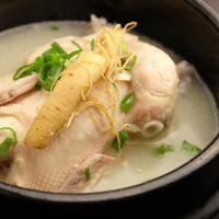 参鶏湯(サムゲタン)2500円