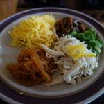 仙巌園 松風軒 - 料理写真:皿に盛られた具材を