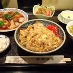 中国料理 本店栄龍 - 料理写真:「選べる!!!炒飯セット」1,150円です。ガーリックきのこ炒飯を選択しました。