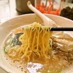 名代ラーメン亭 - チャーシューメン(麺)