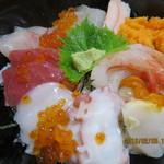 おけしょう鮮魚の海中苑 - 料理写真:海鮮丼・海(2016.02.03)