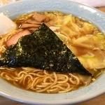 中華そば おかめ - ワンタンメン(魚介系)