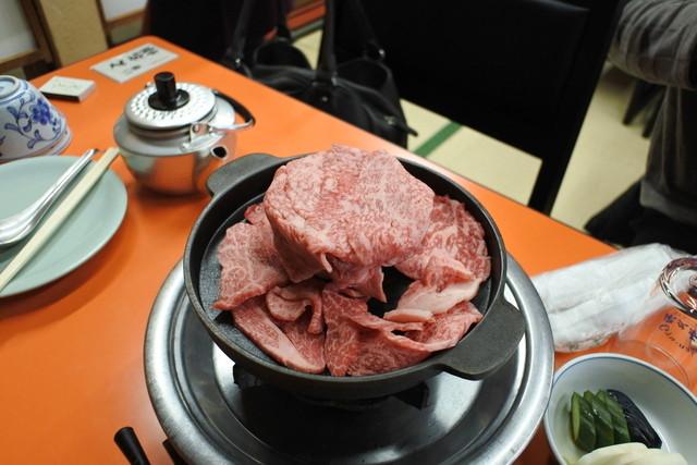 https://tabelog.ssl.k-img.com/restaurant/images/Rvw/47712/640x640_rect_47712818.jpg